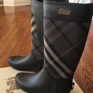 Burberry Tall Boots Black Multi